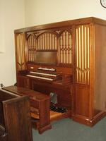 Snapshot of a 1948 Moller pipe organ used at Bethany Lutheran College